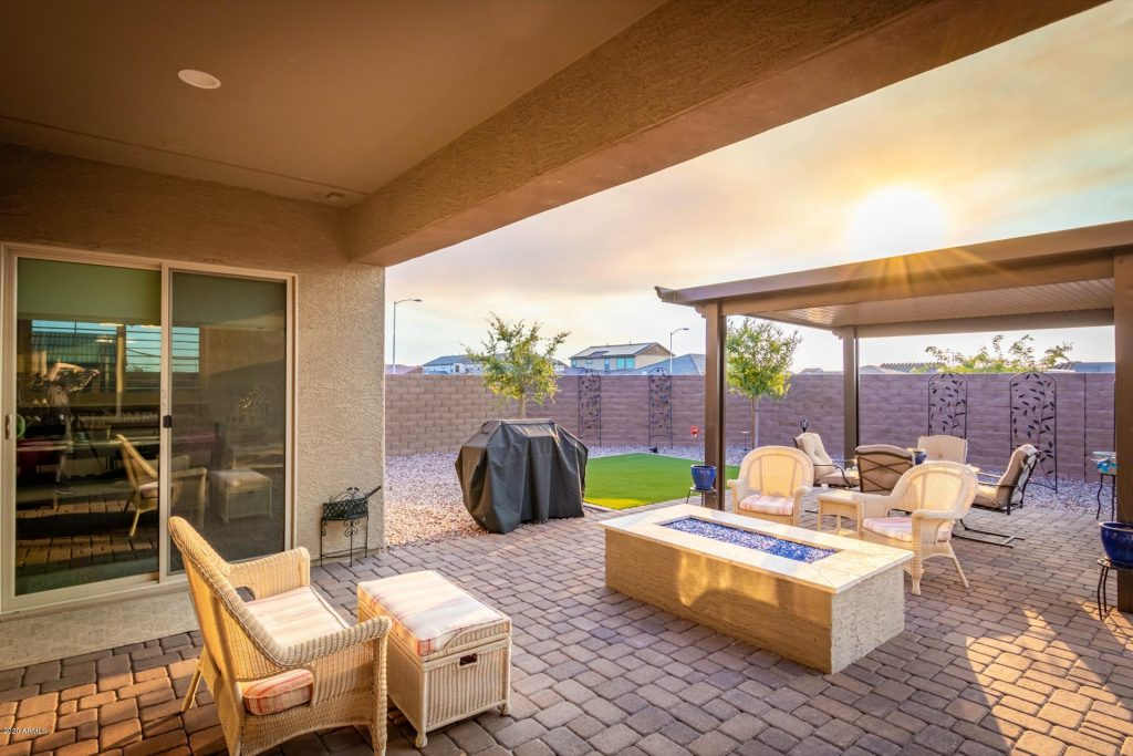 23186 North 94th Lane Peoria, AZ 85383 - backyard